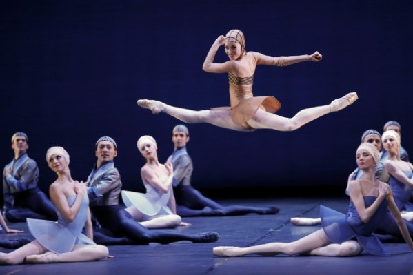 Dancers-of-the-Staatsballett-ballet-ensemble-perform-Namouna-choreographed-by